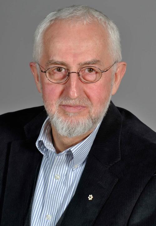 Ernie Regehr (BA '68, English)