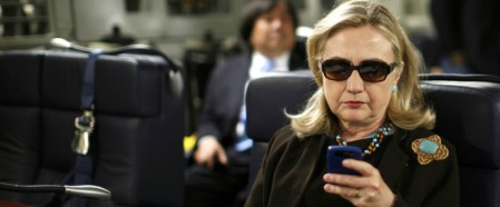 clinton-texting